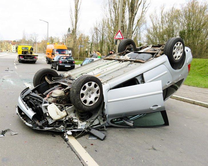 物損事故を起こした場合の違反点数と反則金(罰金)一覧 点数が大きくなるケースは3つ